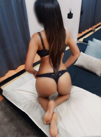 coral masajista erotica barcelona